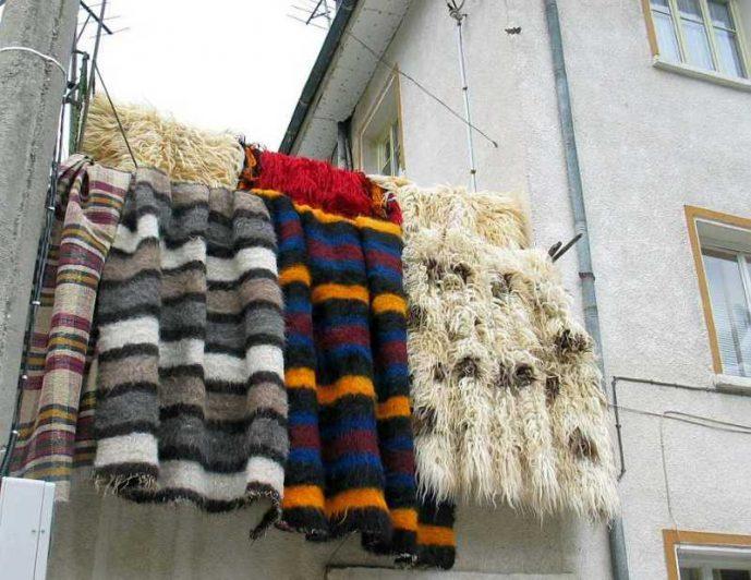 Прочутите забърдовски халища местните изнасят на празник по стобори и чардаци.