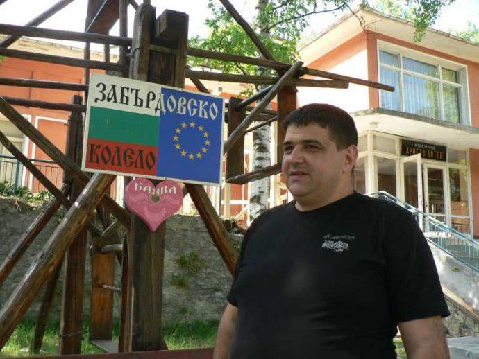 Кметът Валентин Черпоков пред новостите в селото